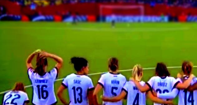 midi-pyrenees : l'équipe de foot femmes en quart de finale - capture d'écran Youtube